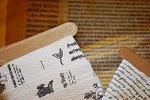 タグテープと古書ワックスペーパー